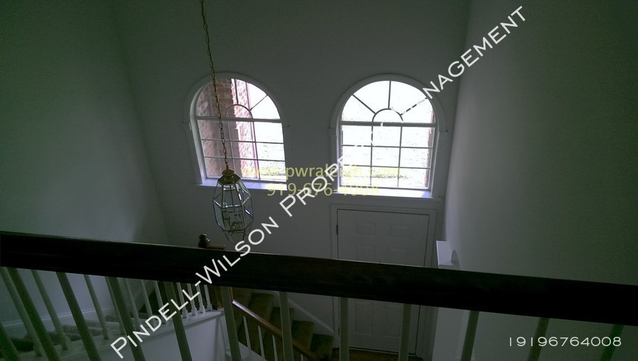 Entry foyer  1