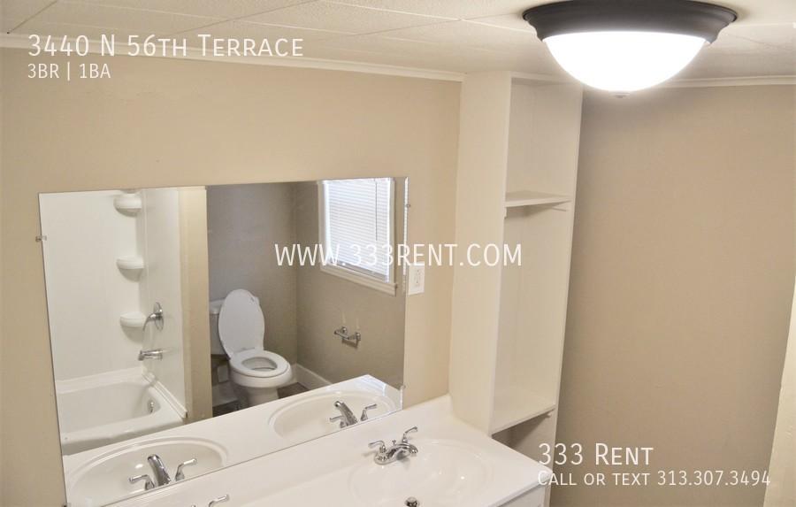 9bathroom