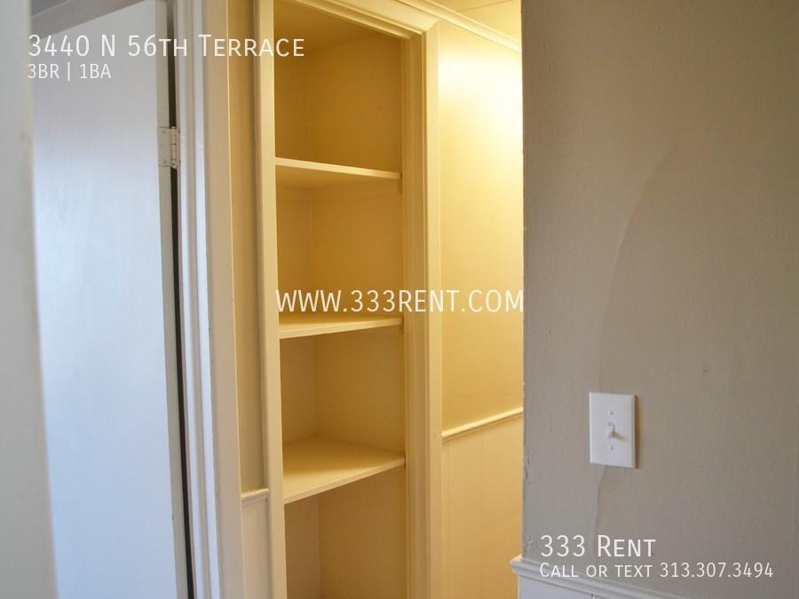 11hall closet