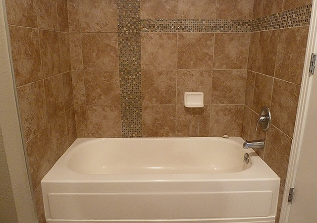 Wh_bookert_unit422_bath2