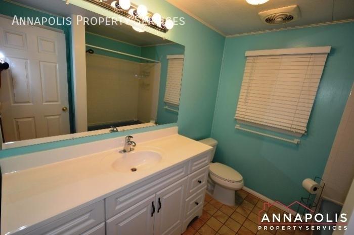 729 melrose st id831 upper bath an