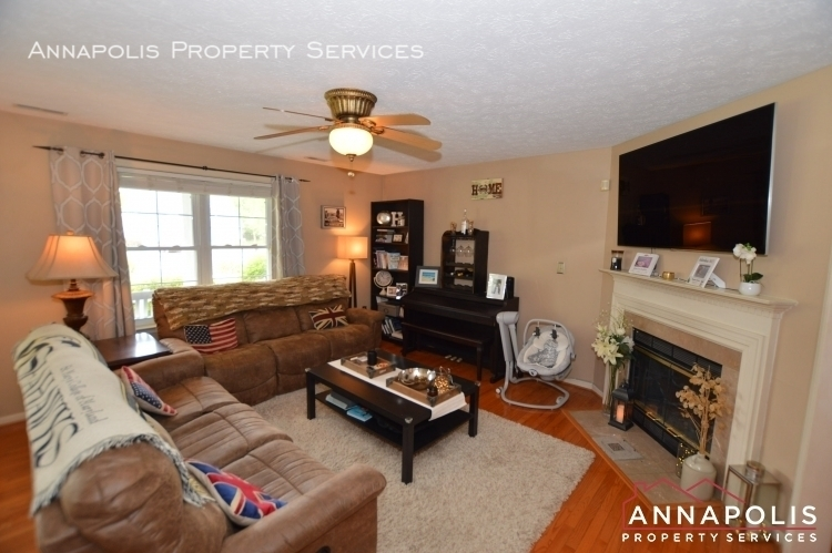 714 old love point road id1165 living room c