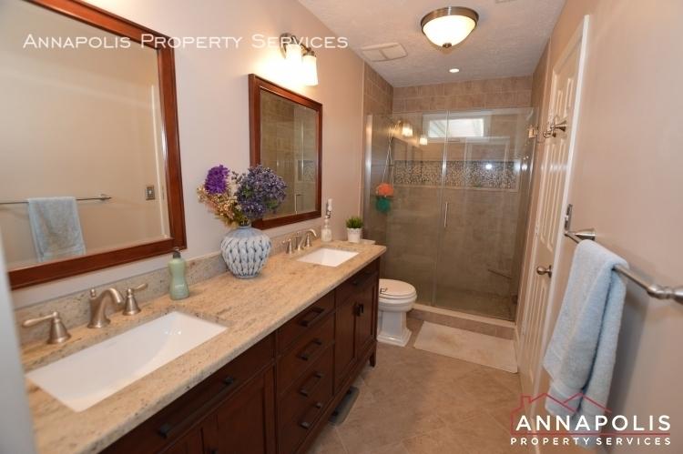 714 old love point road id1165 master bathroom b
