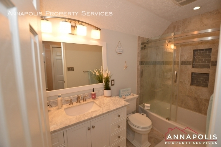 714 old love point road id1165 upper bathroom a