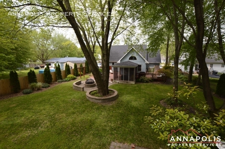 714 old love point road id1165 back yard e