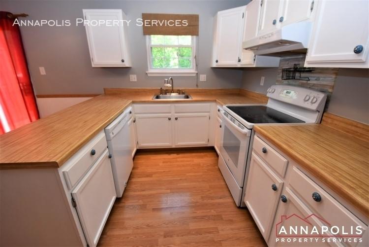 355 rambling ridge court id1168 kitchen 1b