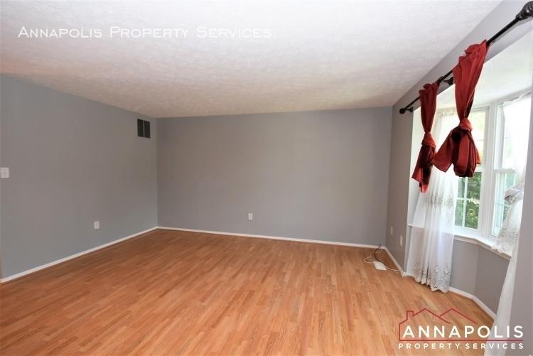 355 rambling ridge court id1168 living room 1b