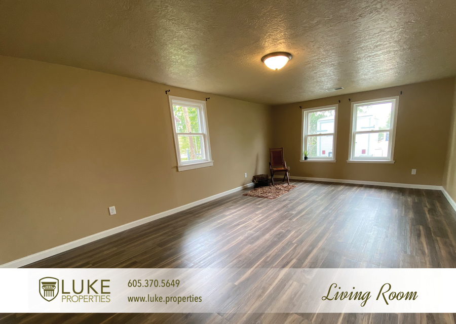 Luke properties 1112 s sherman sioux falls sd 57105 house for rent3