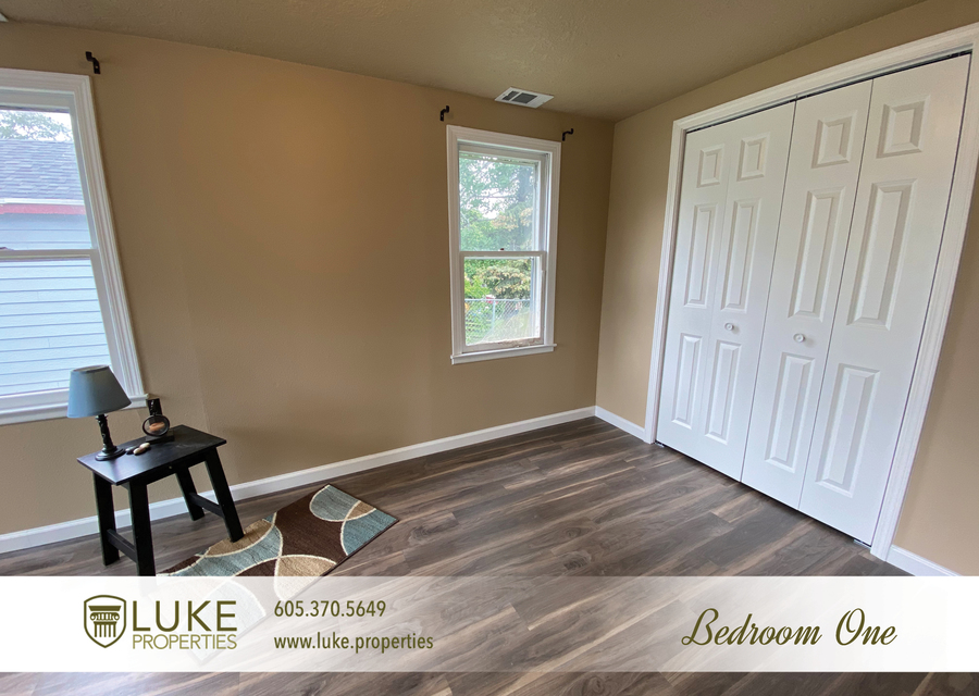 Luke properties 1112 s sherman sioux falls sd 57105 house for rent7