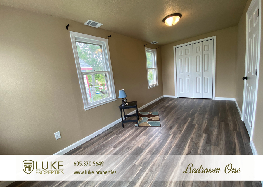 Luke properties 1112 s sherman sioux falls sd 57105 house for rent8
