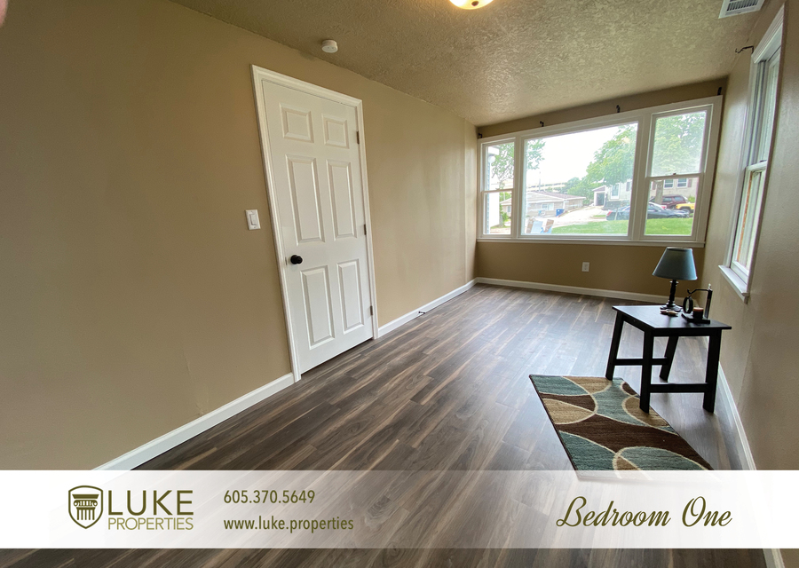 Luke properties 1112 s sherman sioux falls sd 57105 house for rent9