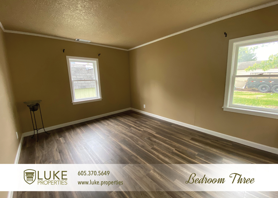 Luke properties 1112 s sherman sioux falls sd 57105 house for rent12