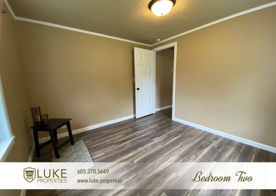 Luke properties 1112 s sherman sioux falls sd 57105 house for rent11