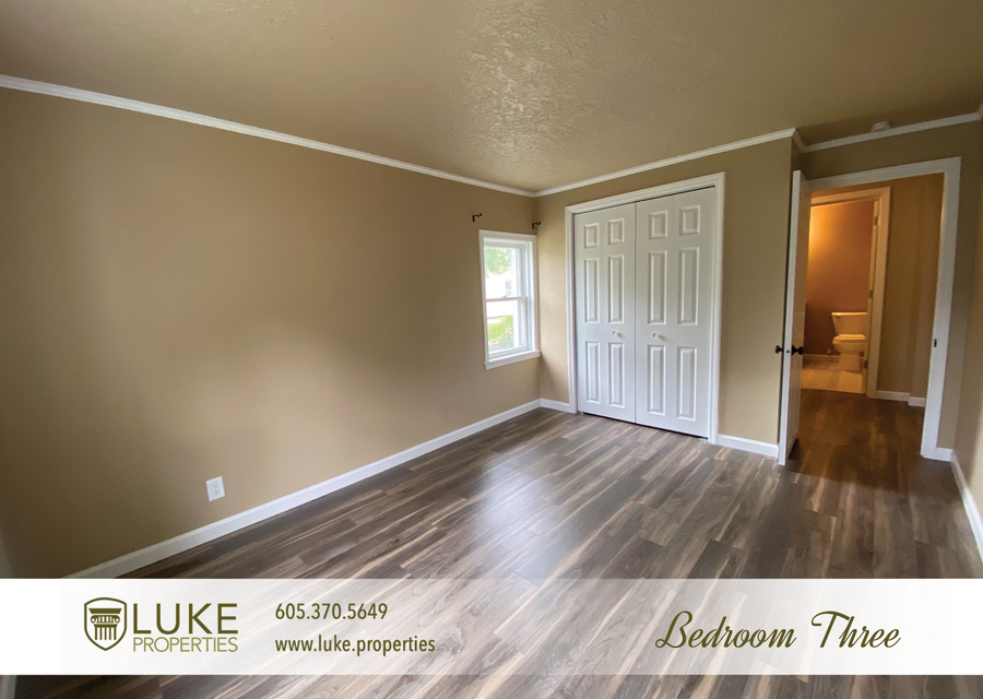 Luke properties 1112 s sherman sioux falls sd 57105 house for rent13