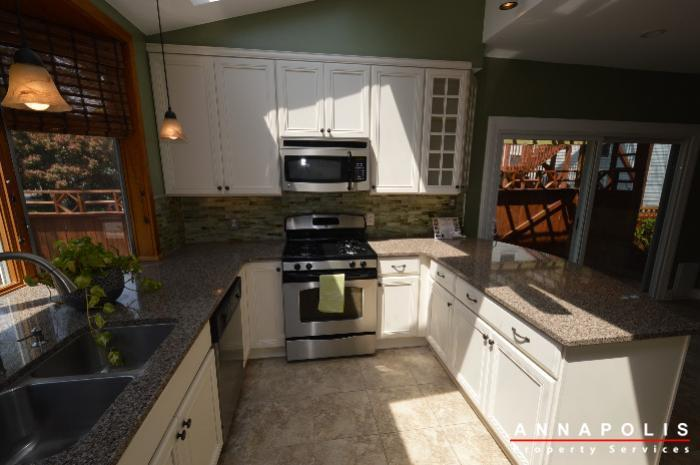 1303-west-st-id714-kitchen-e