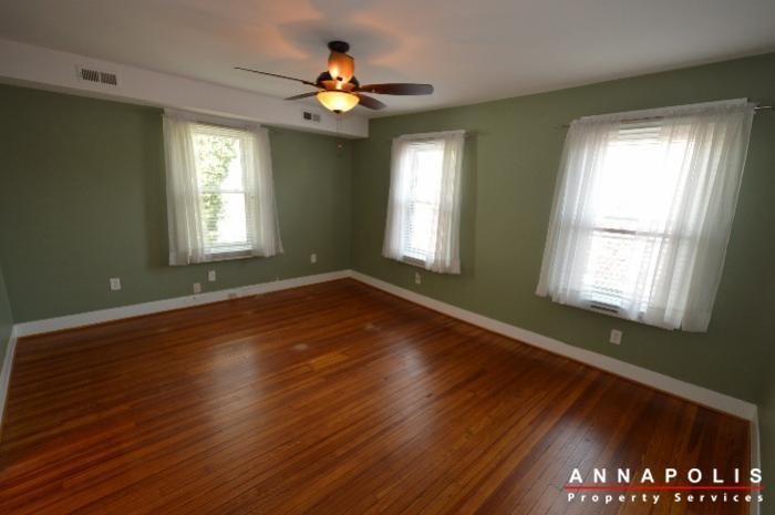 1303-west-st-id714-master-bed-a
