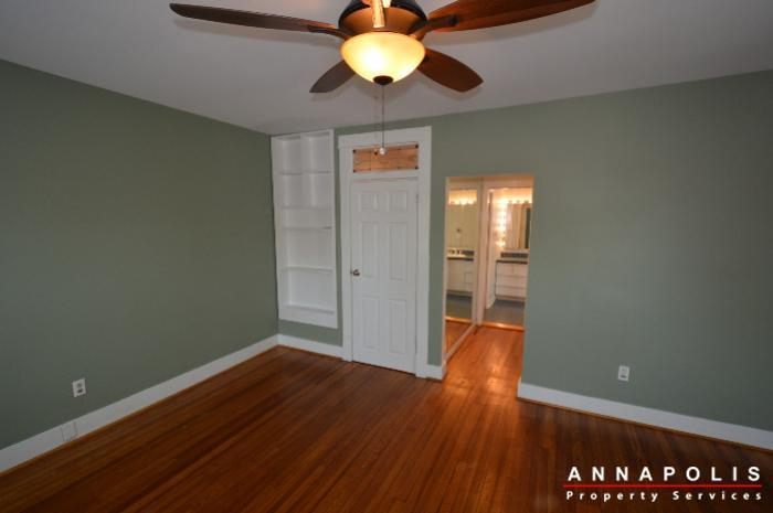 1303-west-st-id714-master-bed-c
