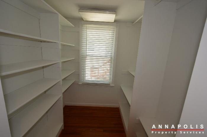 1303-west-st-id714-master-bed-closet-b