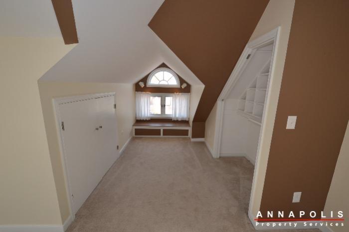 1303-west-st-id714-bedroom-1b