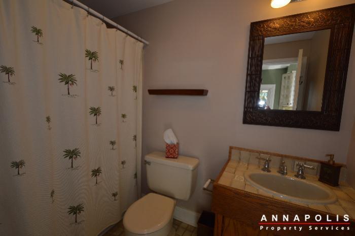 1303-west-st-id714-bathroom-3a