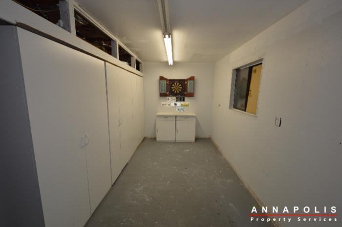 1303-west-st-id714-garage-a