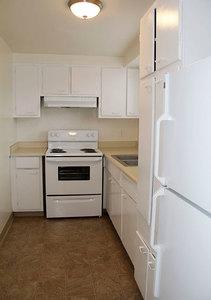 Wh_universitysouth_unit4_kitchen1