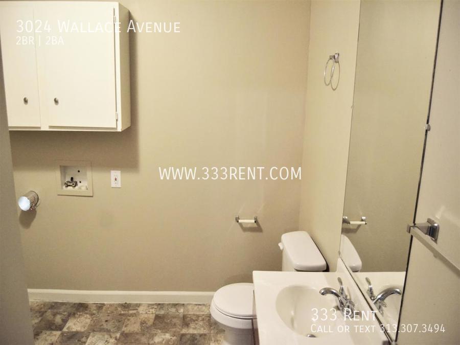 7half bathroom