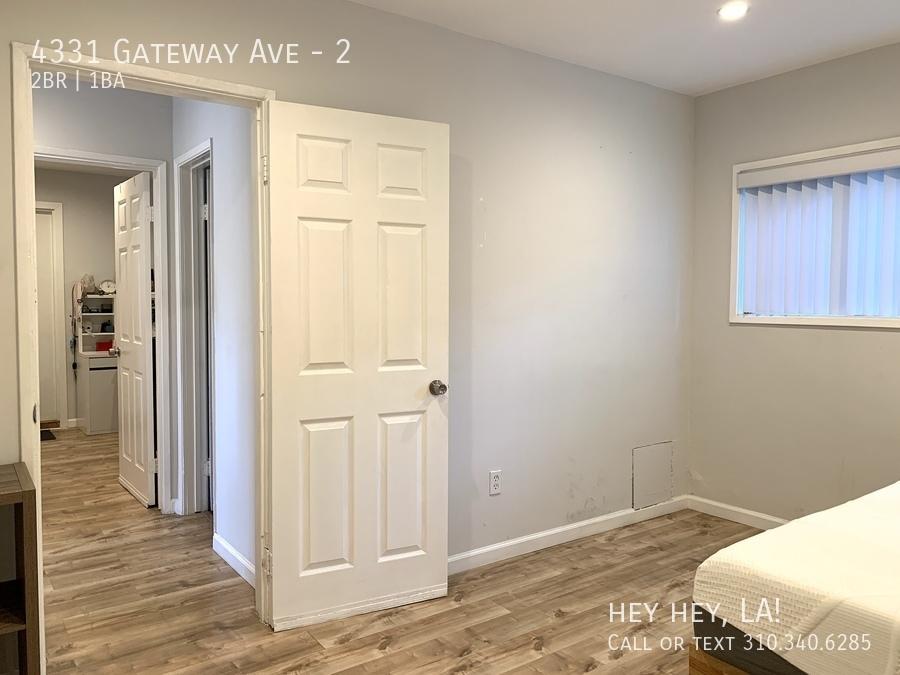Gateway ave 4331 2 010