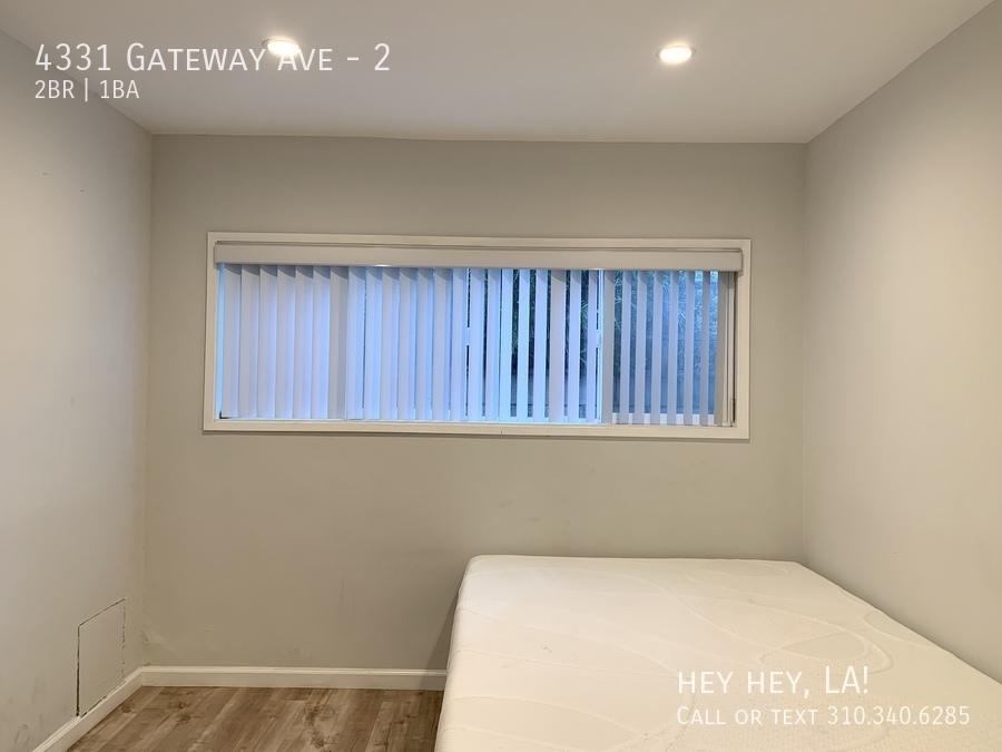 Gateway ave 4331 2 011