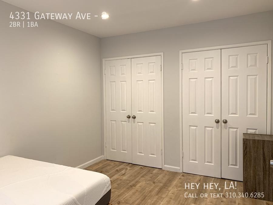 Gateway ave 4331 2 012