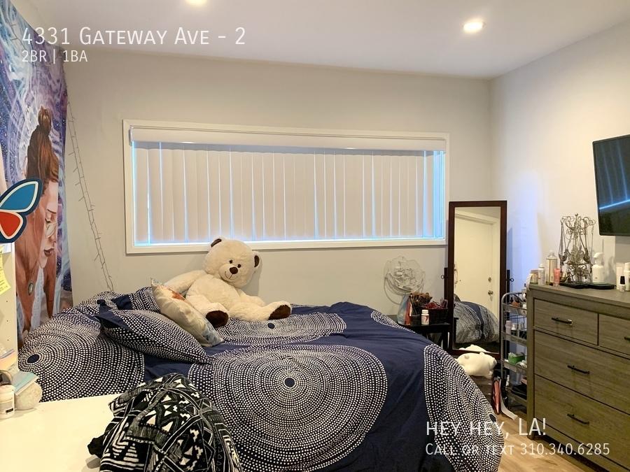 Gateway ave 4331 2 016