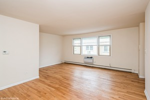 1 2001 w touhy ave unit 302 1 living room print