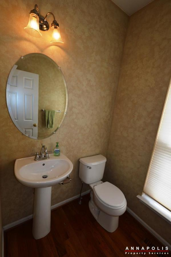 3751-glebe-meadow-way-id711-powder-room-b