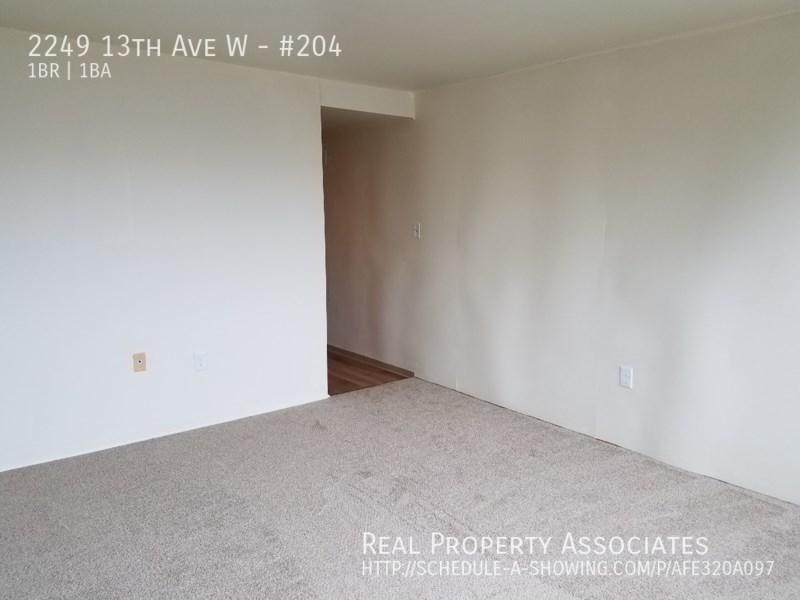 2249 13th Ave W, #204, Seattle WA 98119 - Photo 8