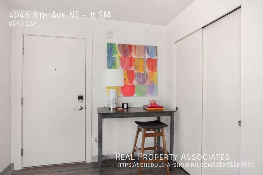 4046 8th Ave NE, SM, Seattle WA 98105 - Photo 4