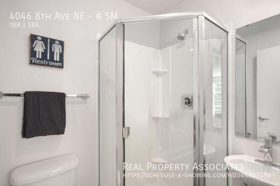 4046 8th Ave NE, SM, Seattle WA 98105 - Photo 13
