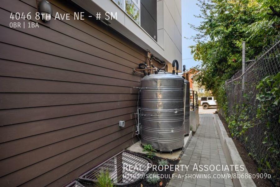 4046 8th Ave NE, SM, Seattle WA 98105 - Photo 18