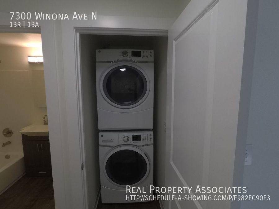 7300 Winona Ave N, Seattle WA 98103 - Photo 11