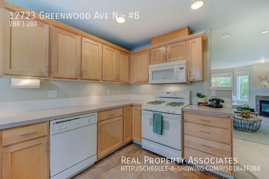 12723 Greenwood Ave N, #B, Seattle WA 98133 - Photo 8