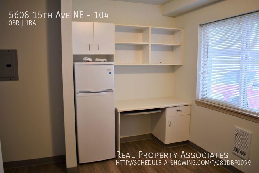 5608 15th Ave NE, 104, Seattle WA 98105 - Photo 3