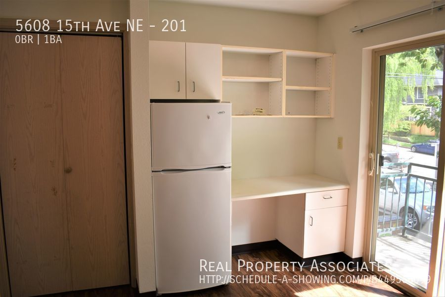 5608 15th Ave NE, 201, Seattle WA 98105 - Photo 3