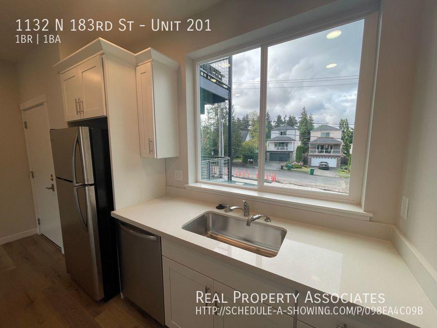 1132 N 183rd St, Unit 201, Shoreline WA 98133 - Photo 3