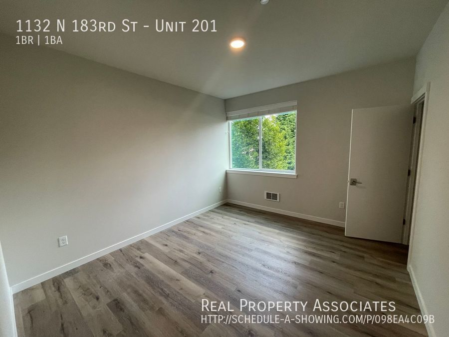 1132 N 183rd St, Unit 201, Shoreline WA 98133 - Photo 9