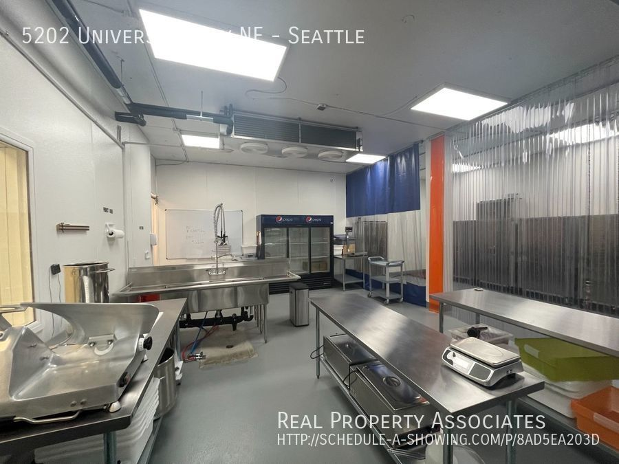 5202 University Way NE, Seattle, Seattle WA 98105-3519 - Photo 11