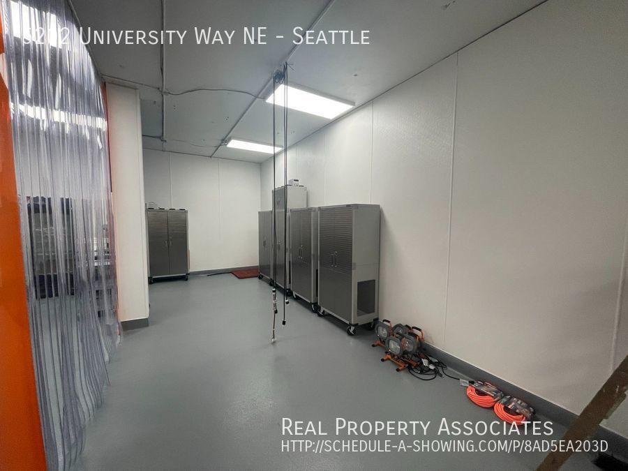 5202 University Way NE, Seattle, Seattle WA 98105-3519 - Photo 12