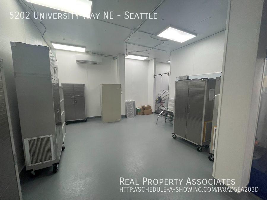 5202 University Way NE, Seattle, Seattle WA 98105-3519 - Photo 13