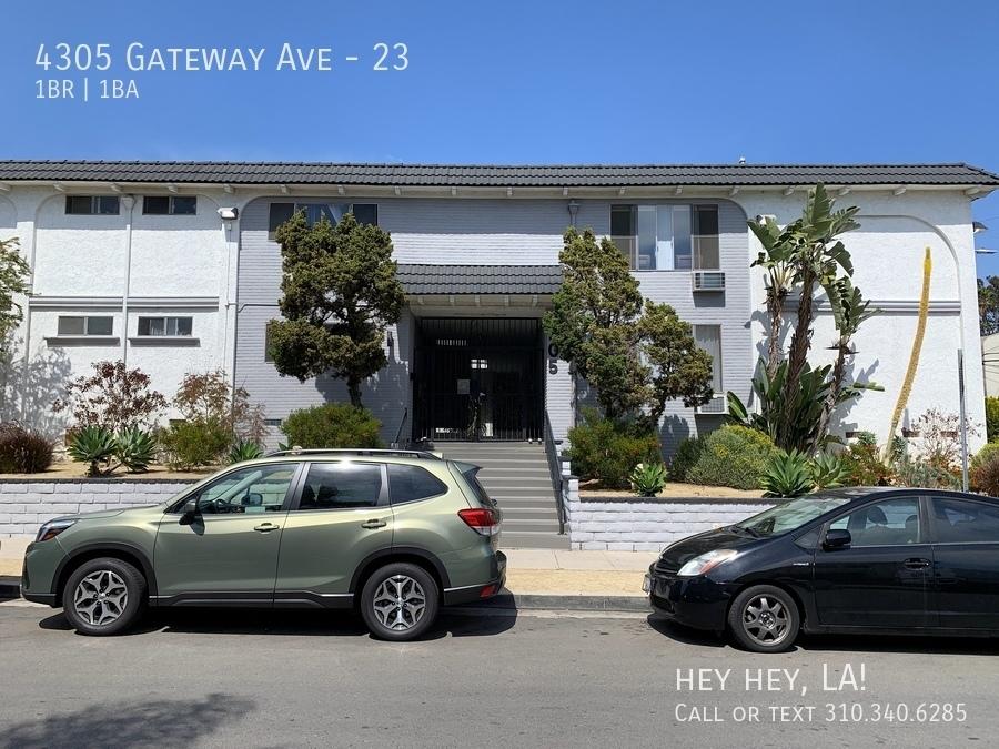 4305 gateway ave exterior 001