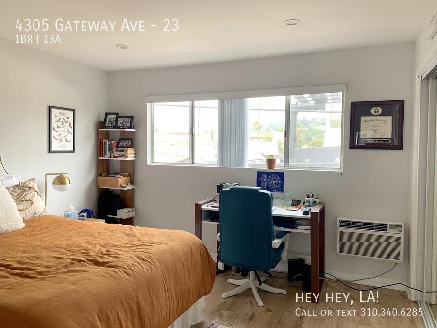 Gateway ave 4305 23 011