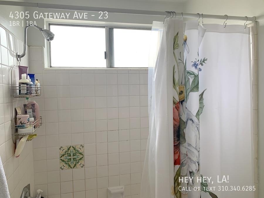 Gateway ave 4305 23 013