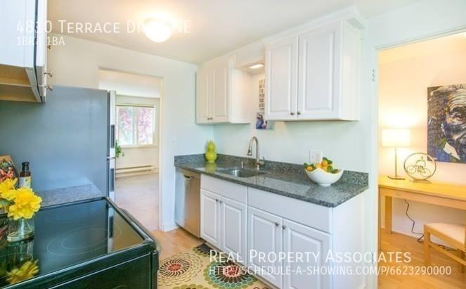 4810 Terrace Drive NE, Seattle WA 98105 - Photo 4